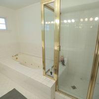Bathroom remodel modern 0815 11b 660x440